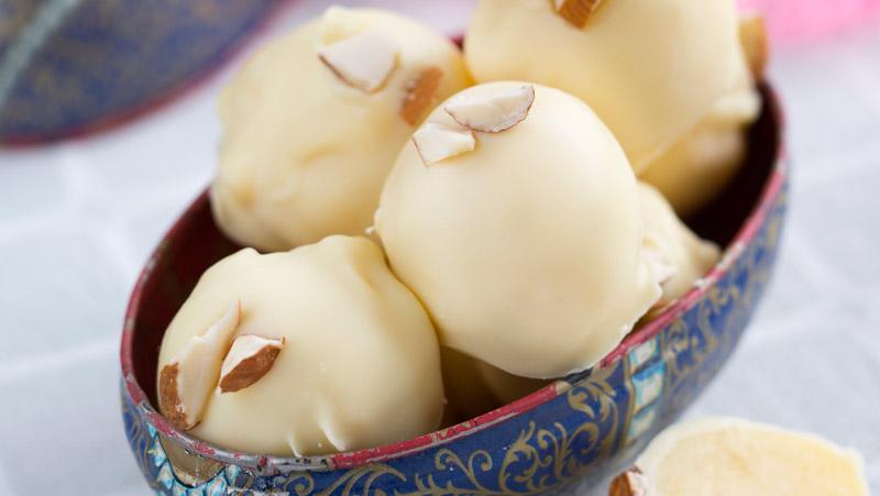 Tryffel med mandel och vit choklad