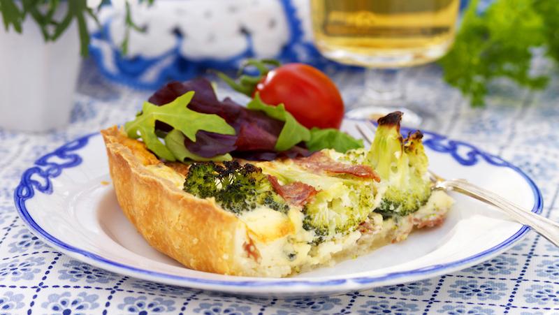 Broccolipaj med salami
