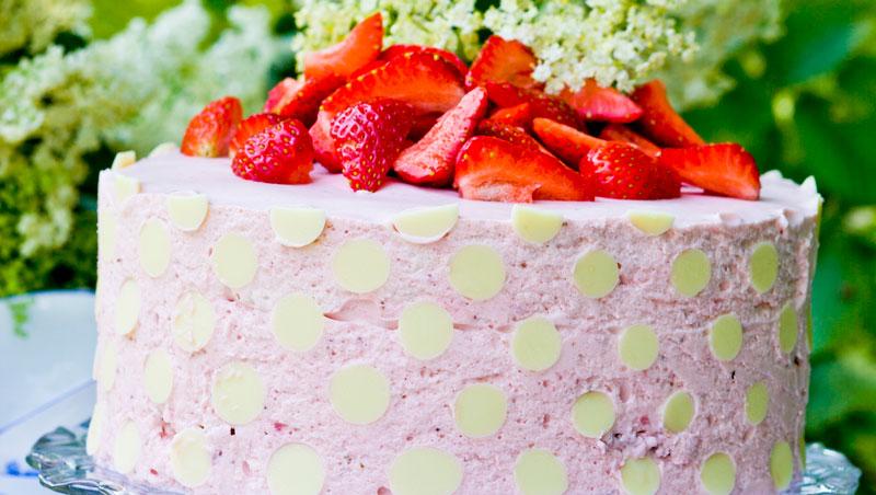 Jordgubbs- och flädertårta