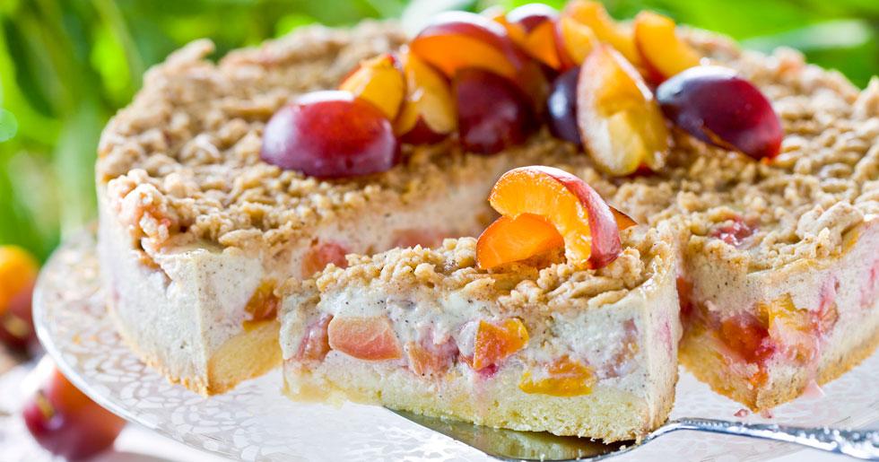 Cheesecake med plommon och smultäcke