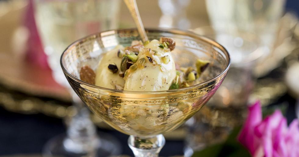 Lyxig-dessert-med-vit-choklad-och-passionsfrukt-recept