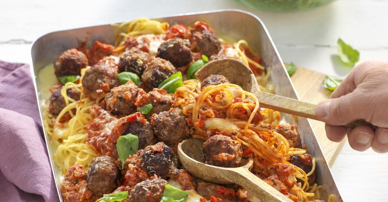 Italienska köttbullar i mustig tomatsås i ugn