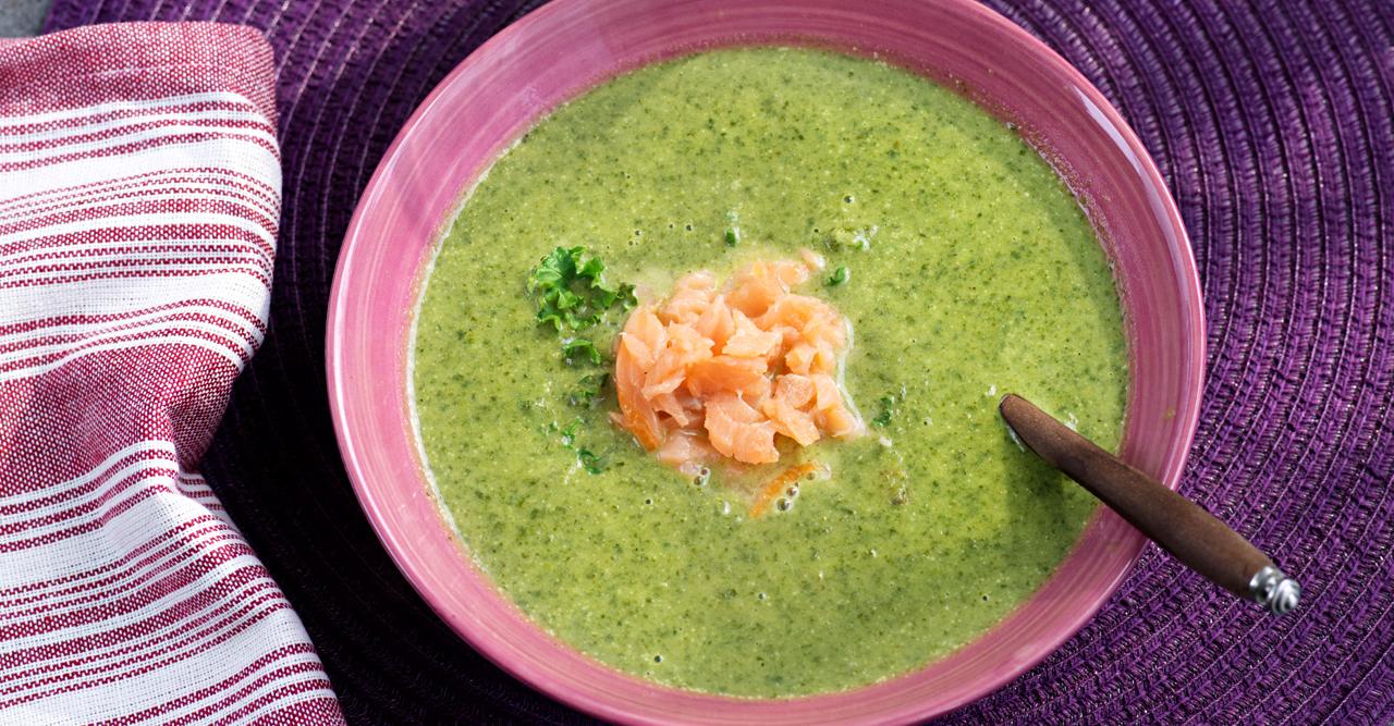 Ulrikas grönkålssoppa med lax – recept