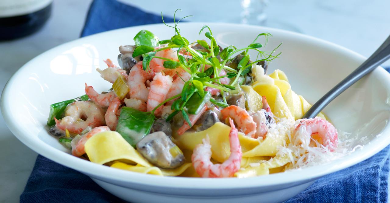Snabblagat – lyxig pasta med räkor – recept