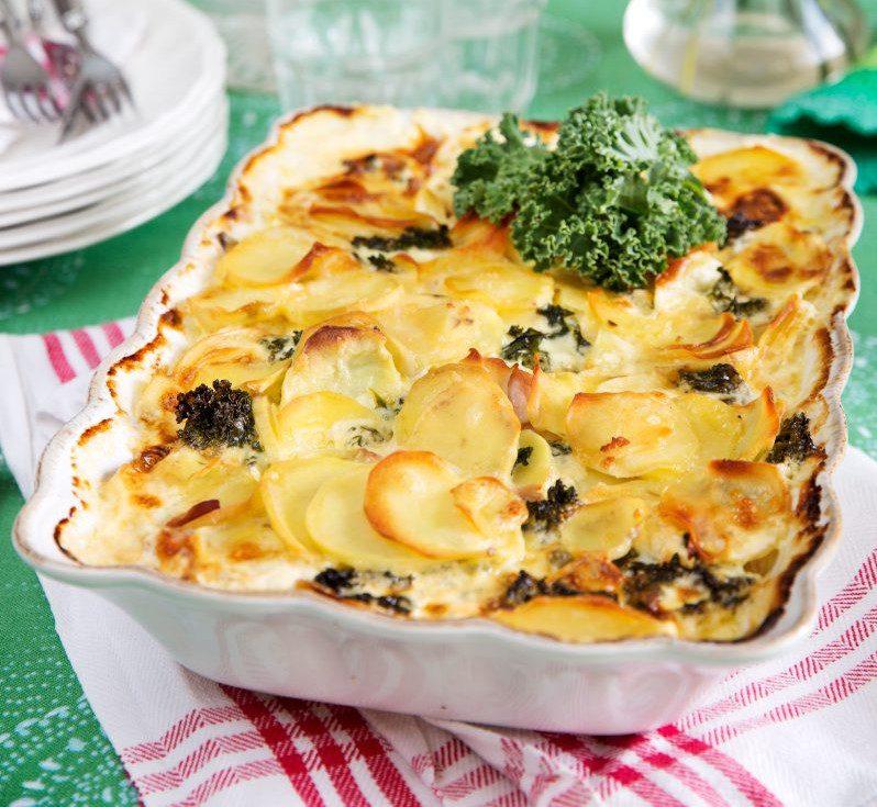 Potatisgratäng med grönkål och skinka