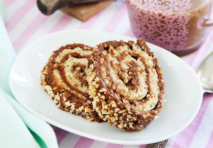 Glutenfri rulltårta med choklad och nötter