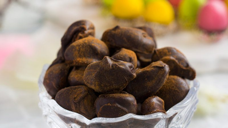 Chokladdoppade mandlar med kanel