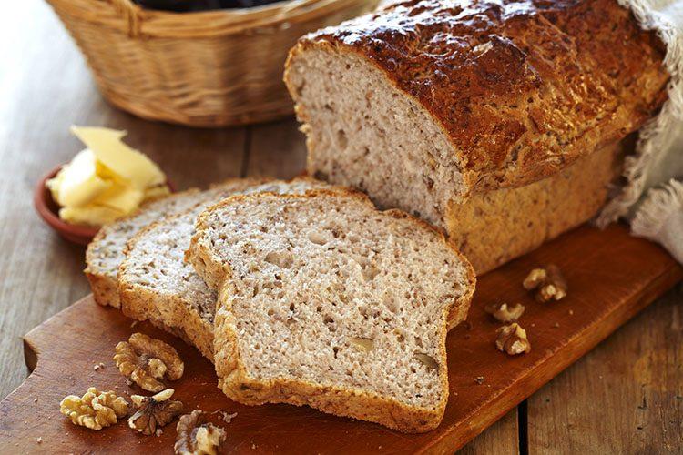 Glutenfritt bröd med valnötter