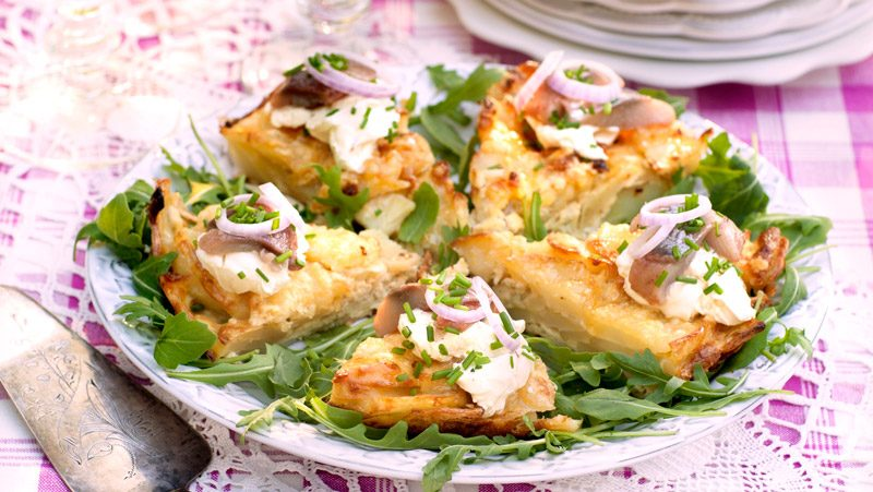 Omelett med potatis och matjessill recept