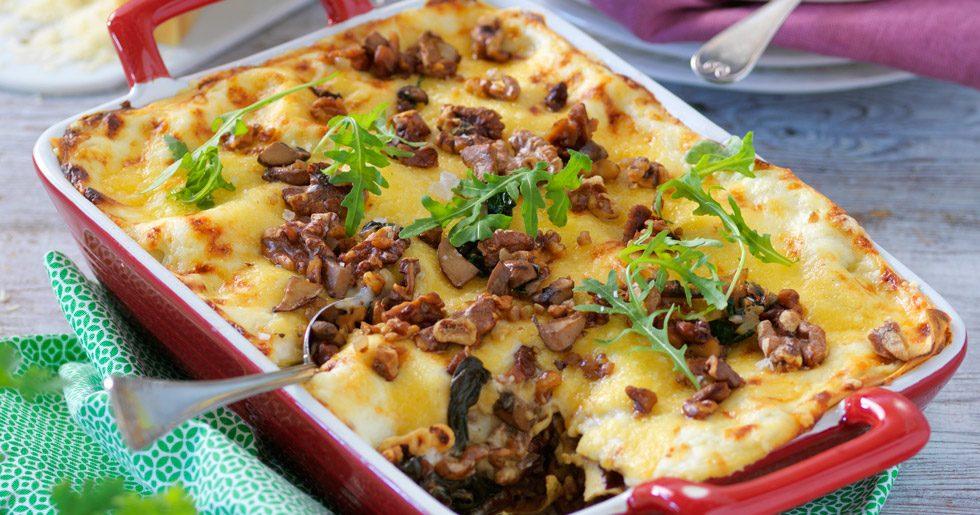 Vegetarisk lasagne med svamp och fetaost recept