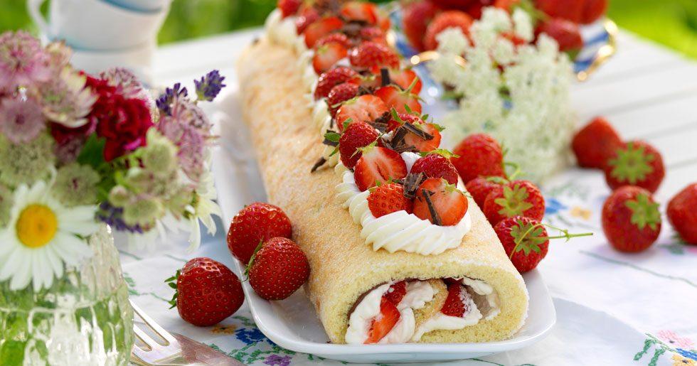 Rulltårta med jordgubbar och nutella