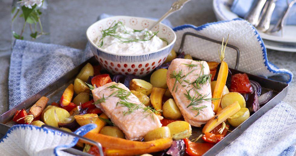 Lax med rostade grönsaker och pepparrotssås