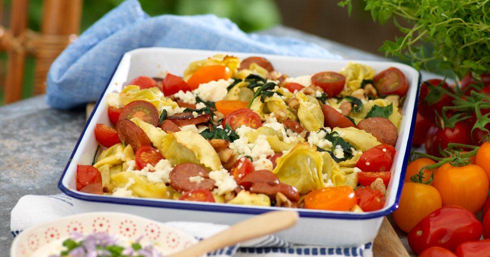 Pastaknyten med tomater fetaost och gräslökssås