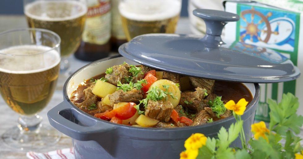 Recept: Gulasch med potatis och paprika