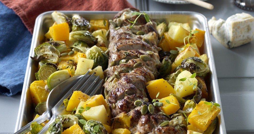 Gorgonzolafylld fläskfilé med ugnsrostade grönsaker.