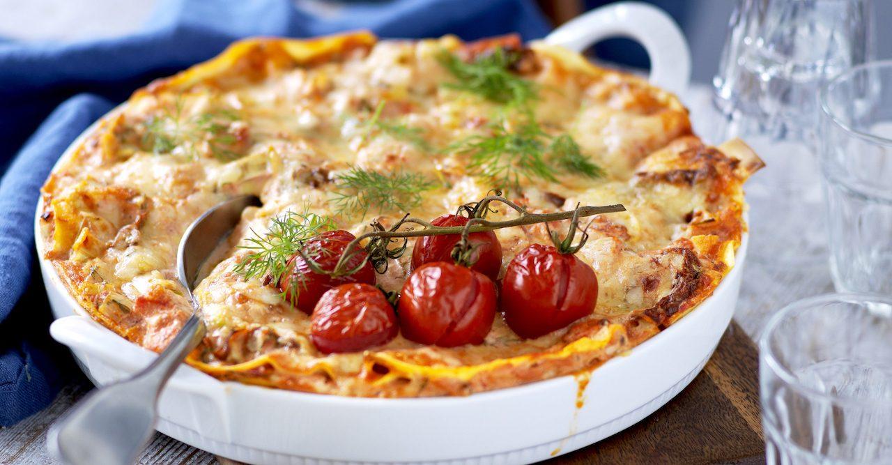 Krämig laxlasagne med tomat