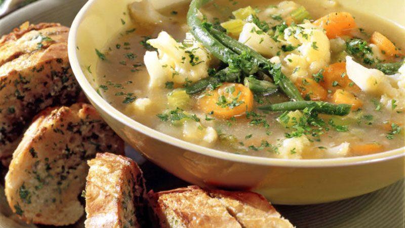 Grönsakssoppa med blomkål