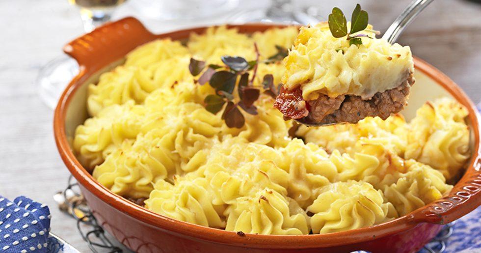 köttfärslåda med potatismos