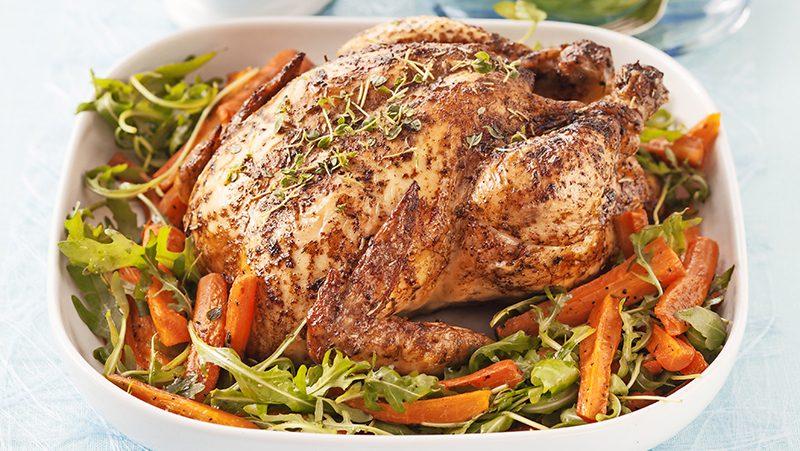 Helstekt kyckling med örtsås