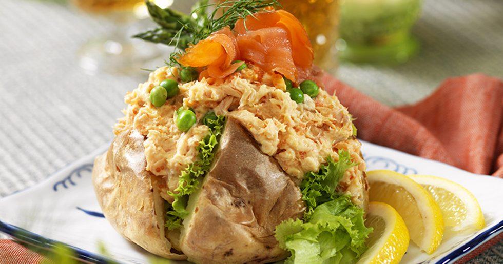 Bakad potatis med laxfyllning