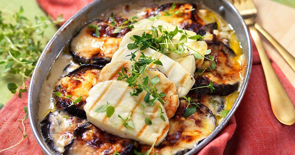 Krämig auberginegratäng med halloumi och fetaost