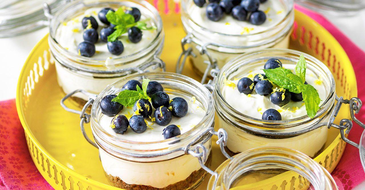 Frisk citroncheesecake med blåbär