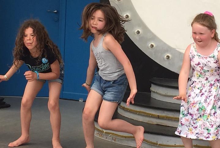 Barn som dansar