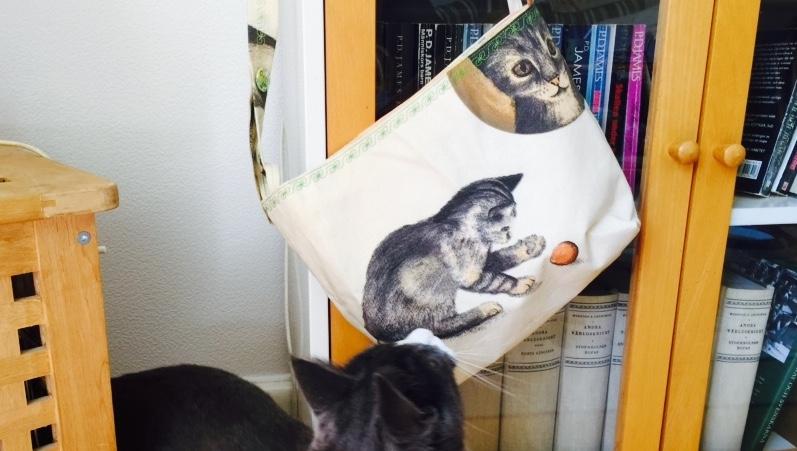 Väska med kattmotiv